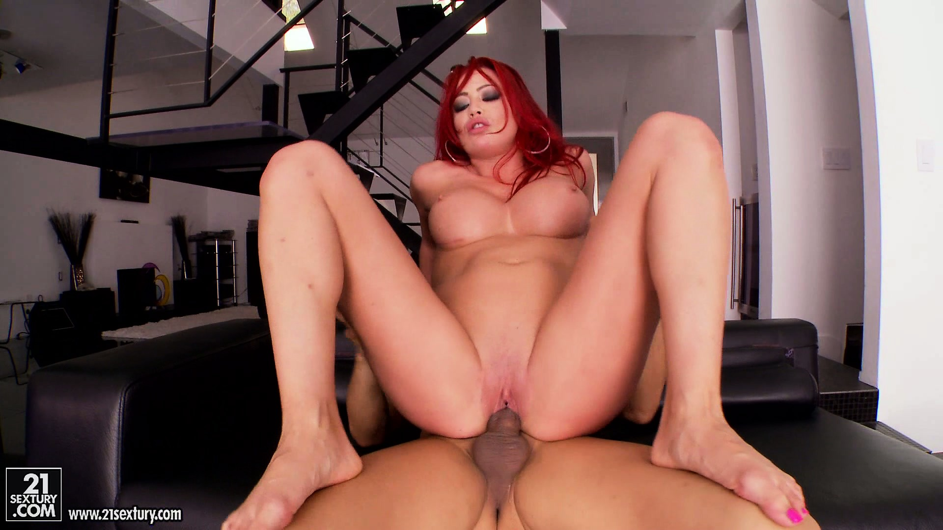 Porno Video of Redheaded Babe Gets Her Feet Worshiped While Banging Her Lover