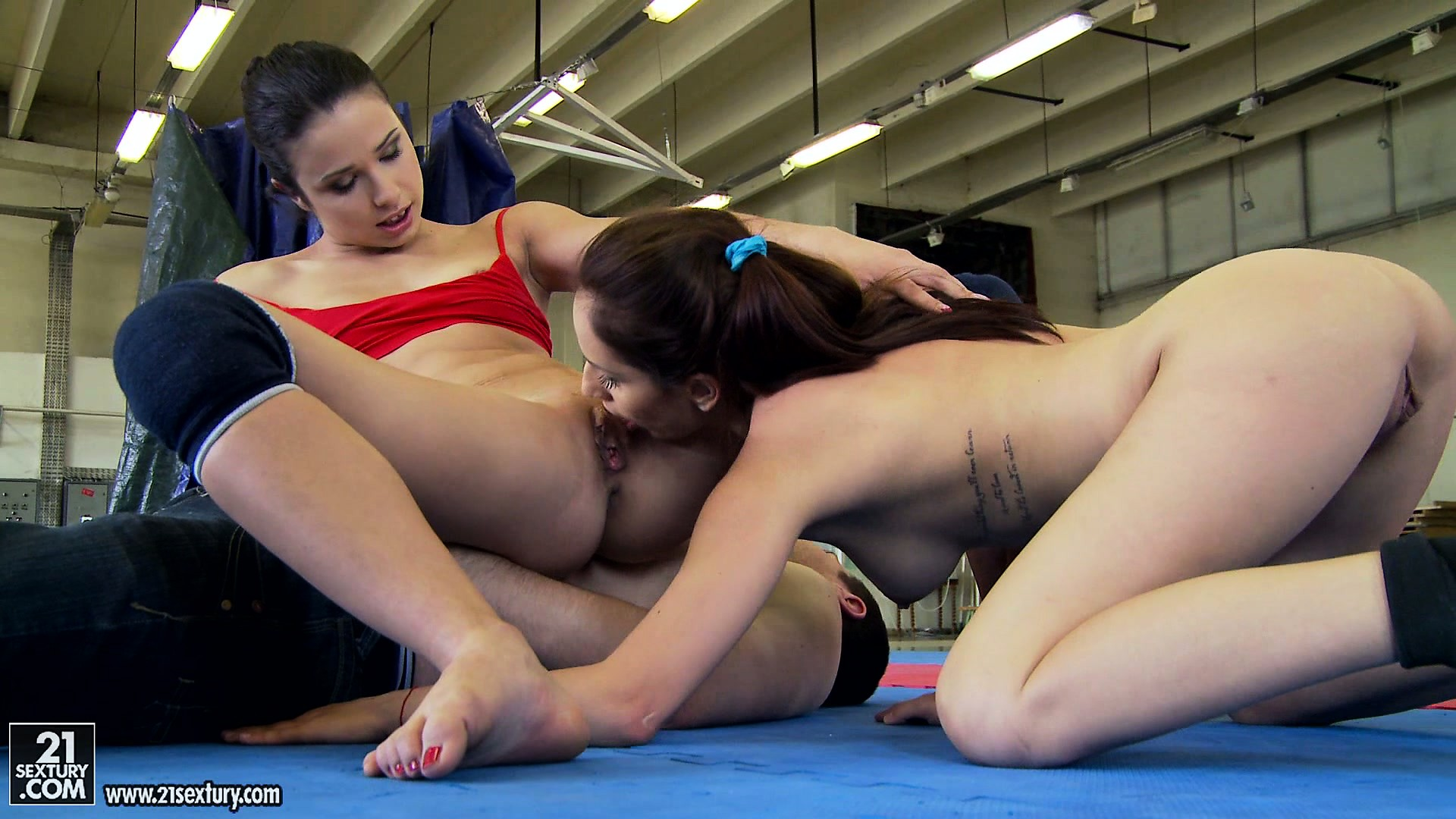 Porno Video of Whoever Wins In This Catfight Gets Her Pussy Licked By The Opponent