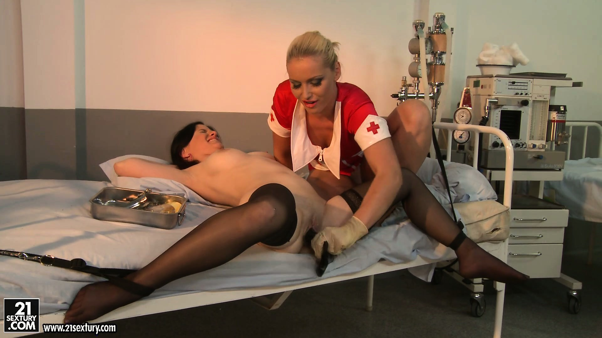 Porn Tube of Angry Nurse In Rubber Gloves Searches For Wet Cunt Of Her Patient