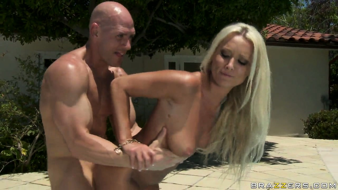 Porno Video of Hot Blonde Is Riding His Cock, Does It Doggy And Gets A Mouthful