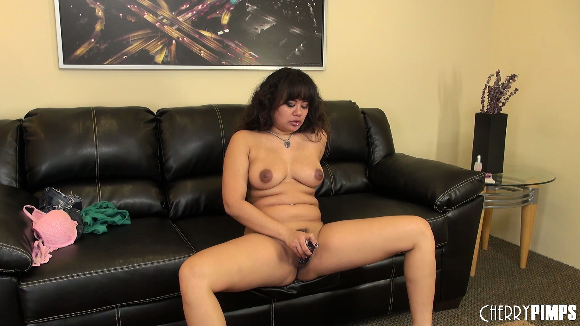 Porn Tube of Annie Cruz Is Left Alone But Knows There's A Camera Rolling Ans She Puts On A Show