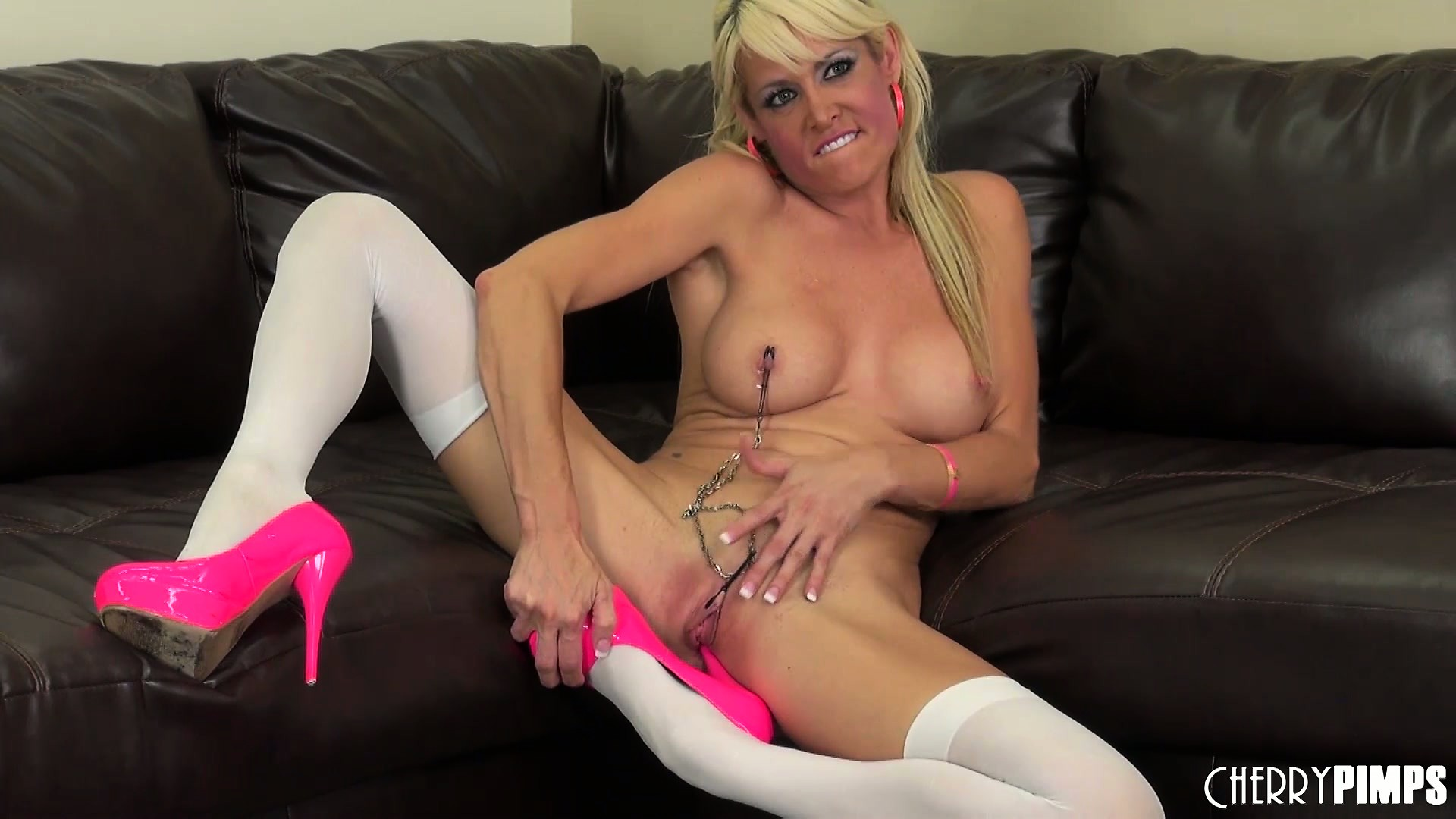 Porno Video of Precious Blondie Mikki Lynn Chains Her Nipples Together In This Solo Show