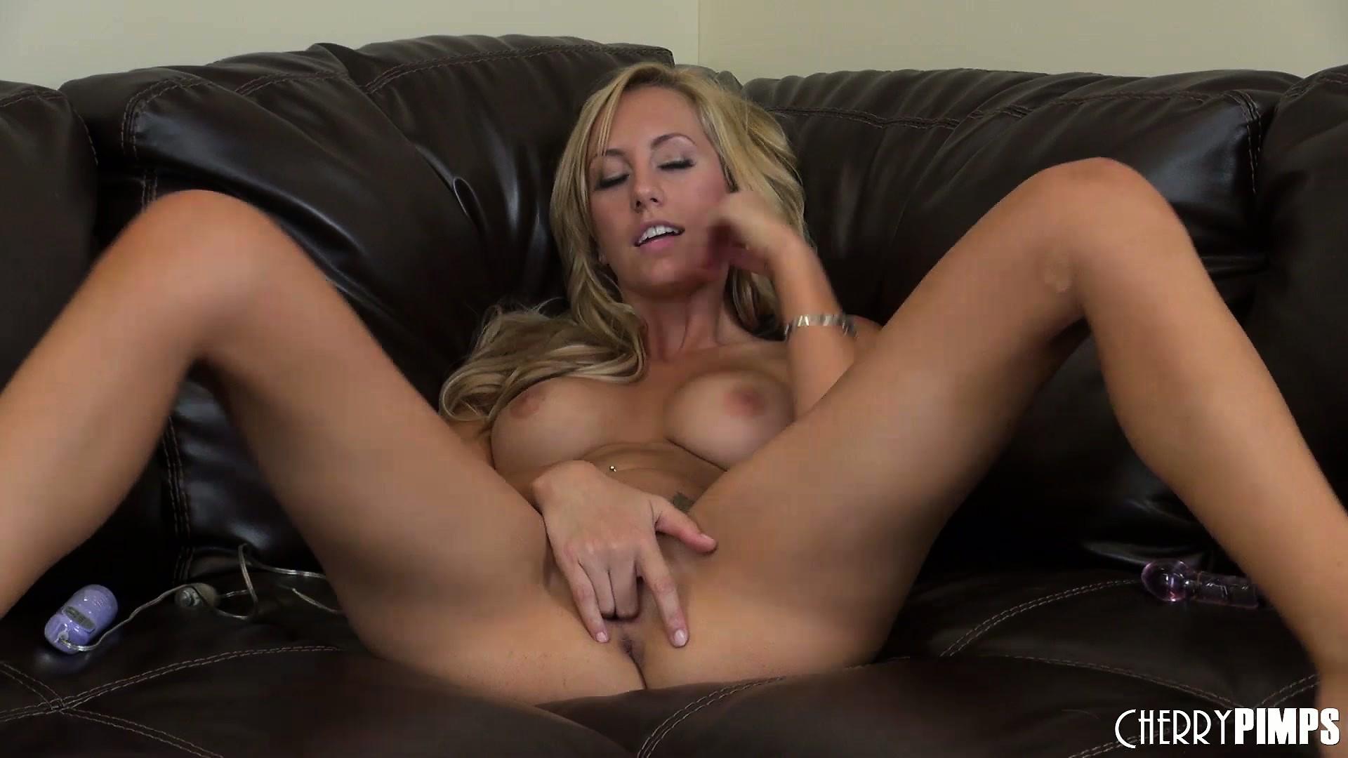 Porno Video of Lovely Blonde Babe With A Naughty Streak Masturbates On Camera