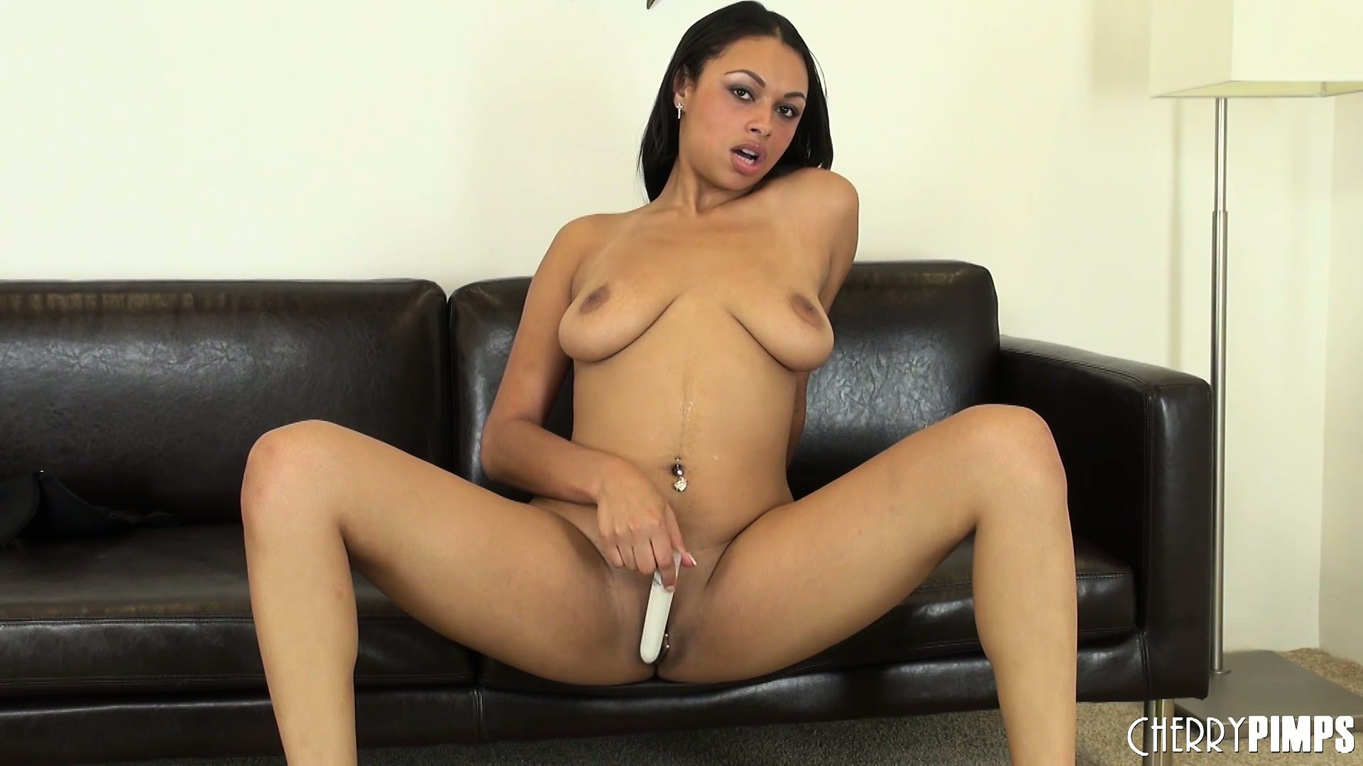 Porno Video of Bethany Benz Dildoes Herself Sweetly During A Sexy Solo Show
