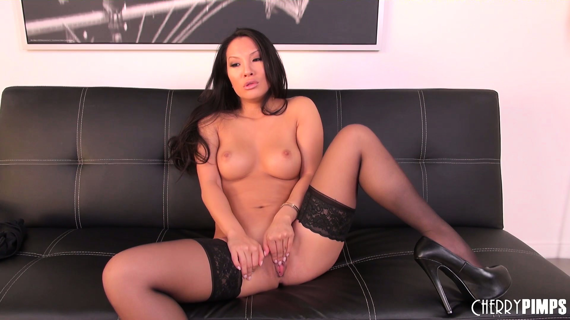 Porn Tube of Asian Slut Asa Akira Looks Hot In Her Sexy Thigh High Stocking And A Dildo In Her Mouth