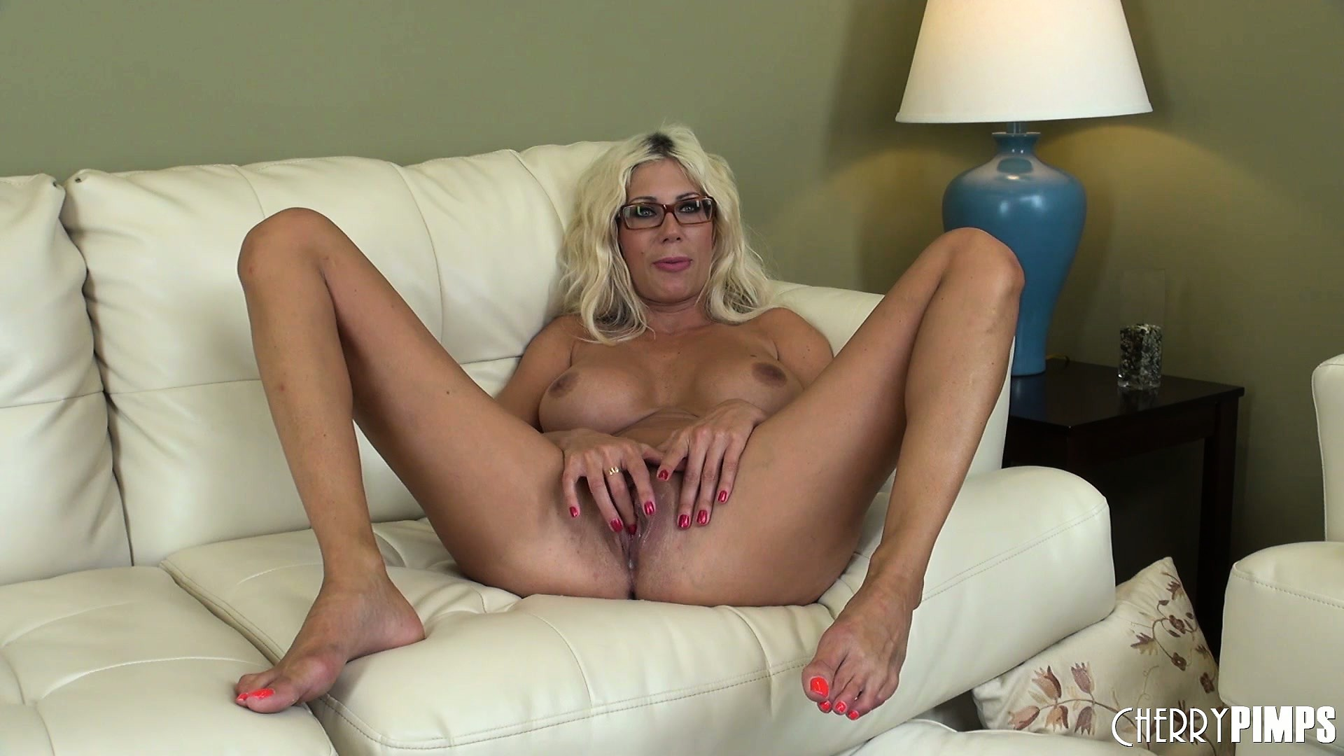 Porno Video of Puma Loves How A Dildo In Her Peach And A Vibrator On Her Clit Make Her Body Feel