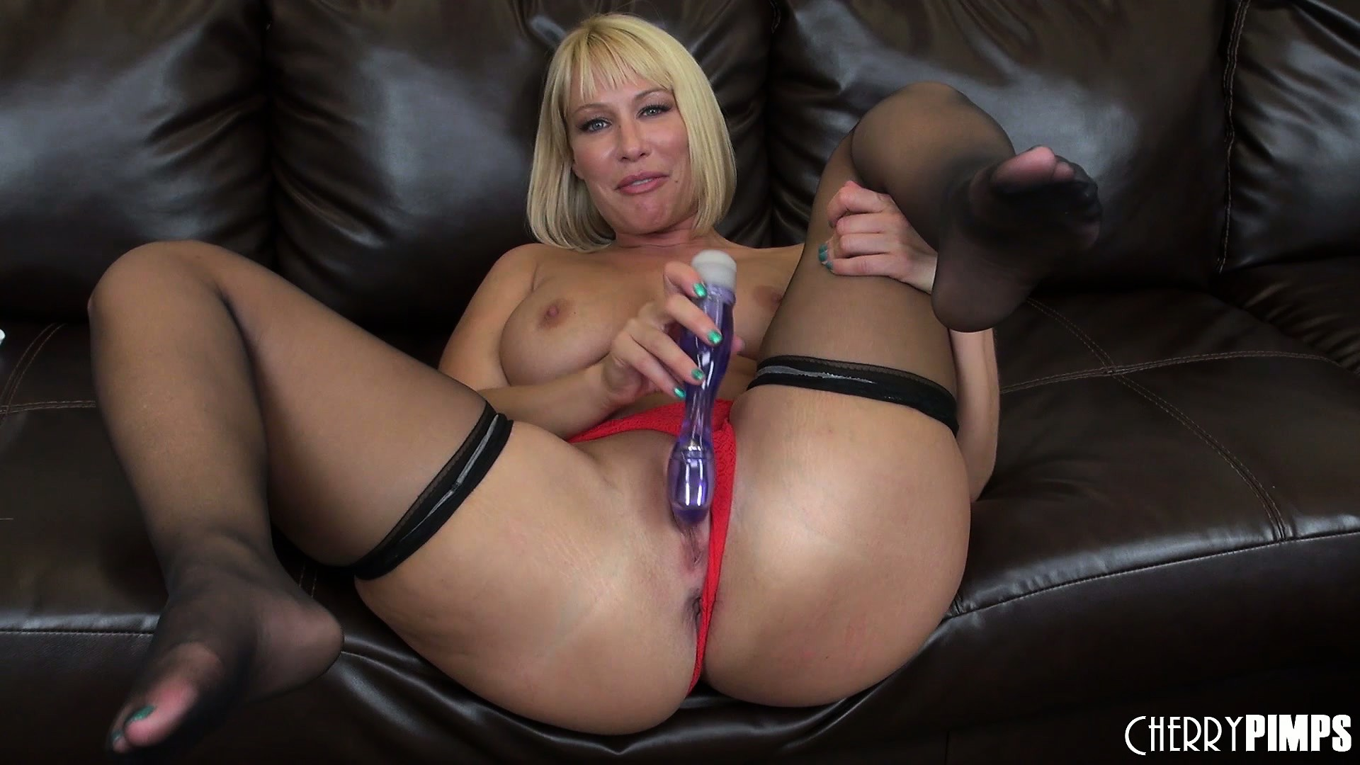 Porn Tube of Blonde Bombshell Mellanie Monroe Pleases Her Tight Cunt With A Big Sex Toy