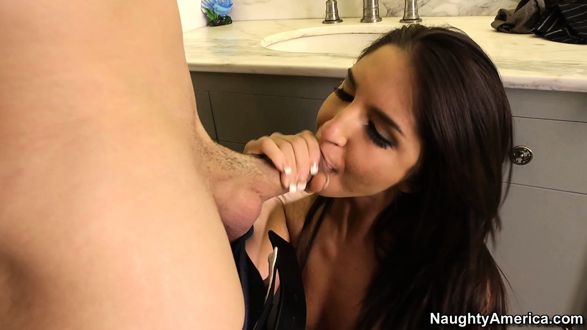 Porn Tube of Attractive Brunette With Perky Tits Giselle Leon Seduces A Guy In The Toilet
