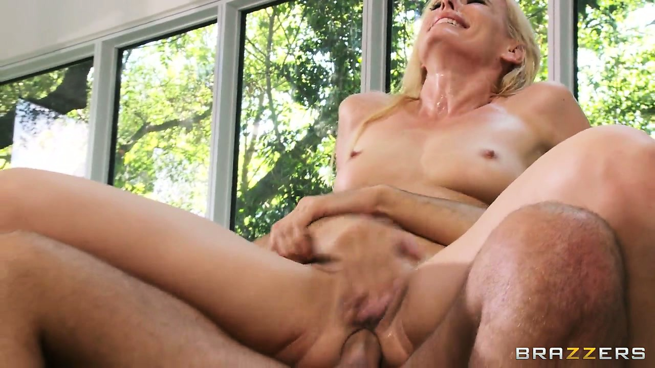 Sex Movie of Slutty Milf Can't Stop Screaming While Impaling Her Ass On A Hard Cock