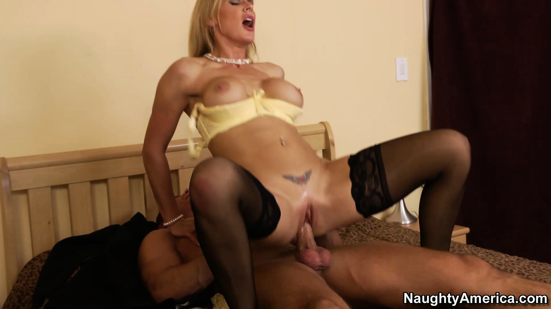 Porno Video of Tanya Tate Gets Her Milfy Pussy Filled Up While Riding A Cock