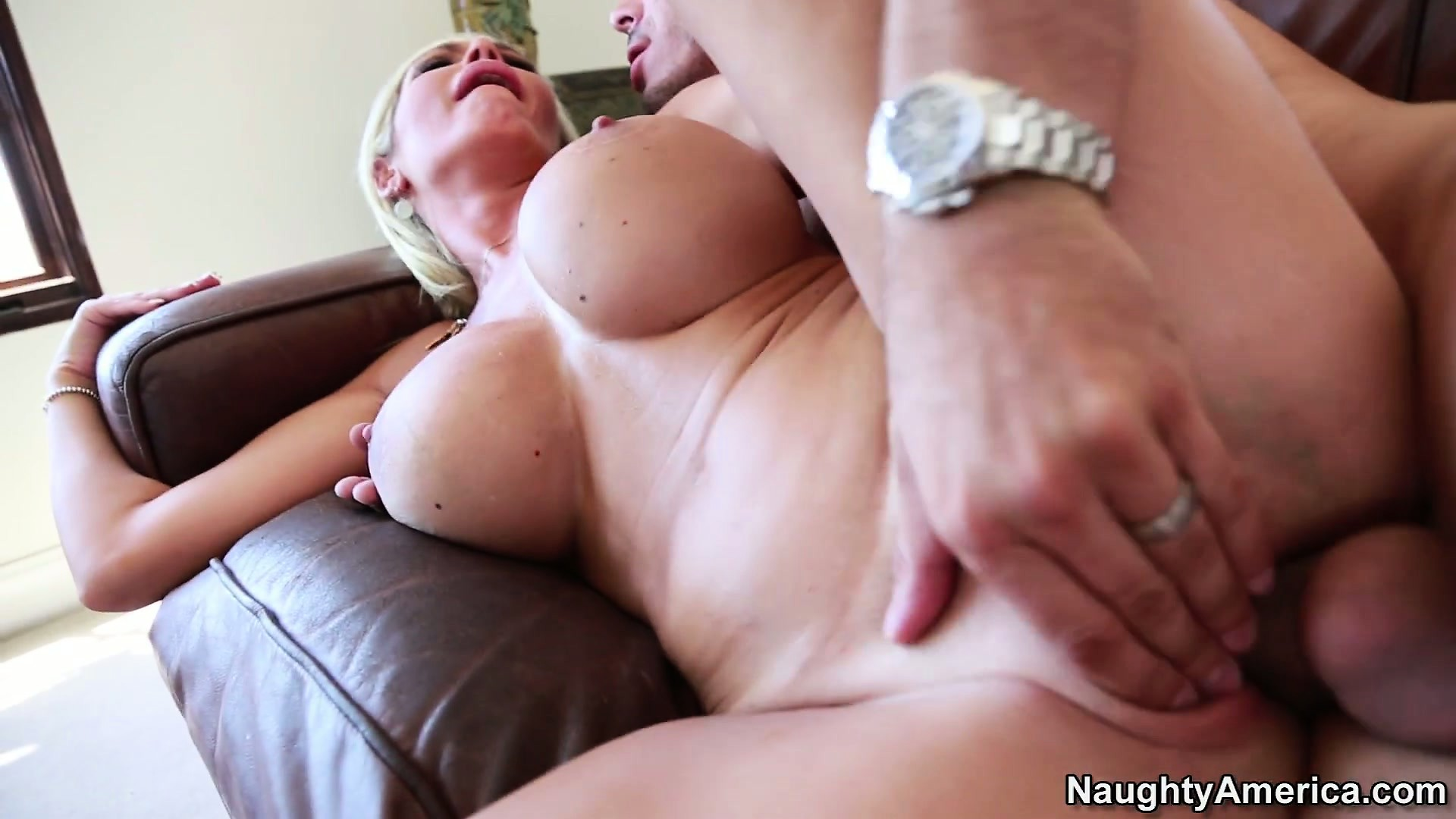 Porn Tube of Evita Can't Hide The Pleasure She Experiences Bouncing All Over That Rod