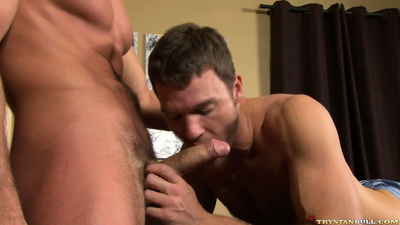 Porno Video of A Couple Of Gay Studs Meet Up After Drinks And Munch On Cock