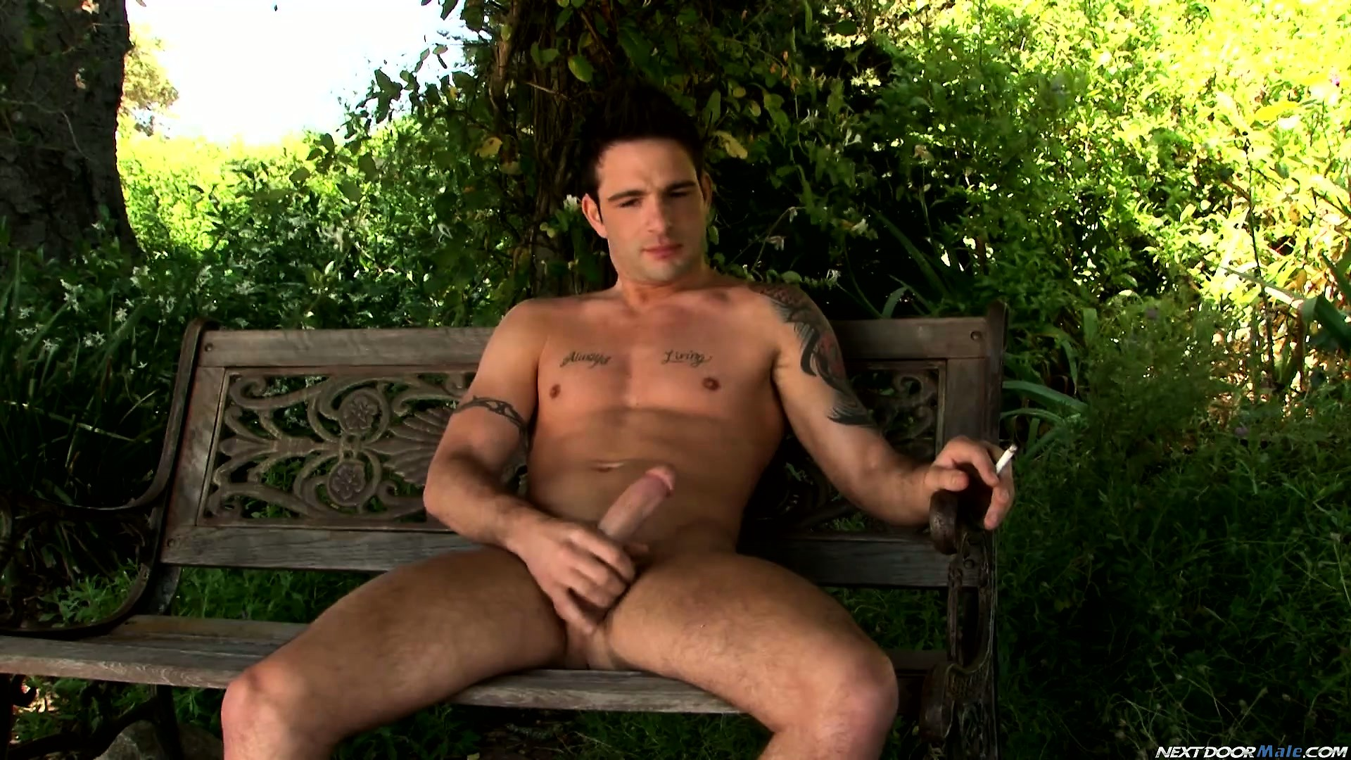 Porno Video of Superb Fucker Tyger Biggs Brings Out His Favorite Outdoor Masturbation Flick