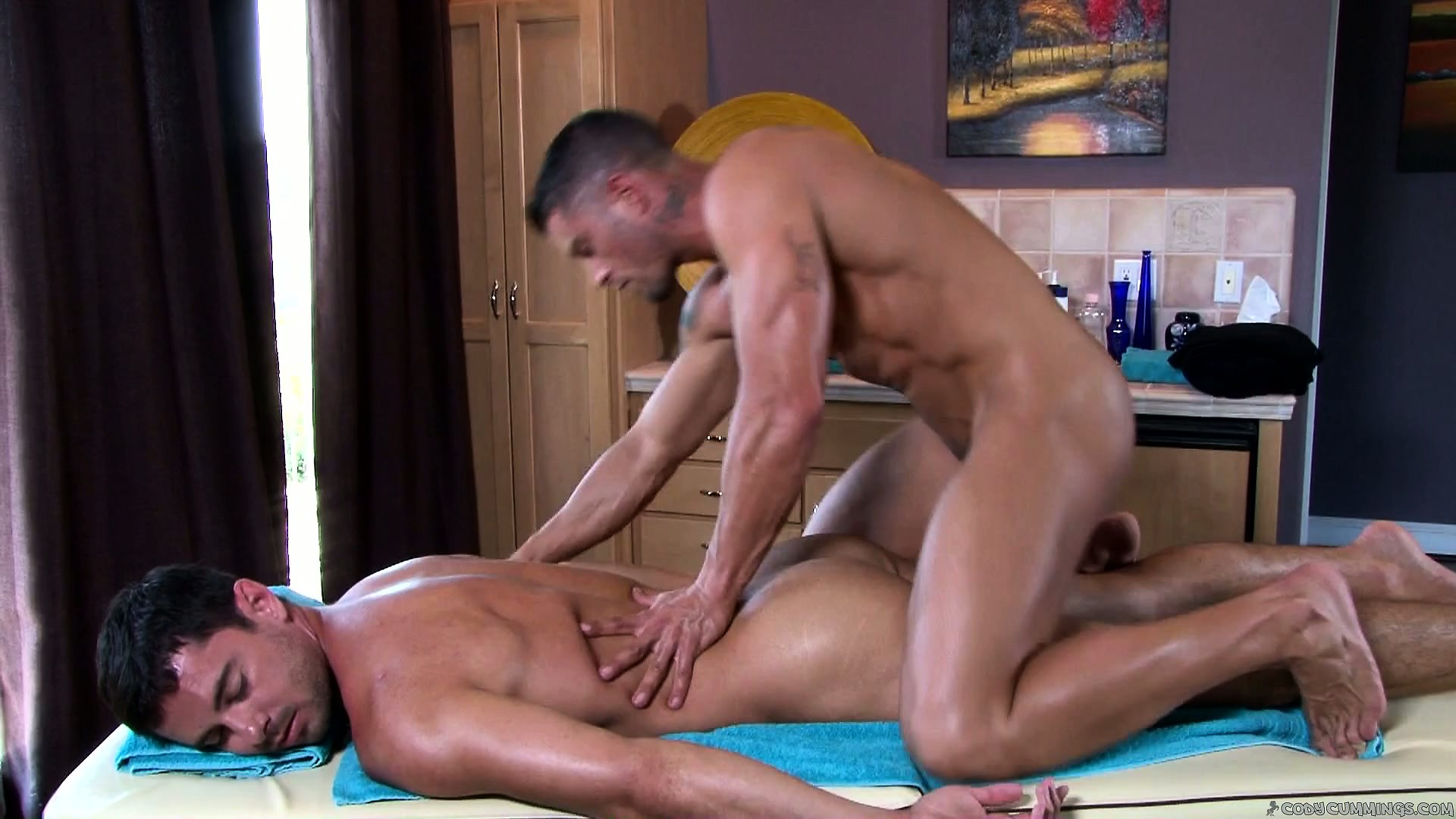 Sex Movie of Guy Comes In For A Massage And The Naked Masseur Kneads Him Good