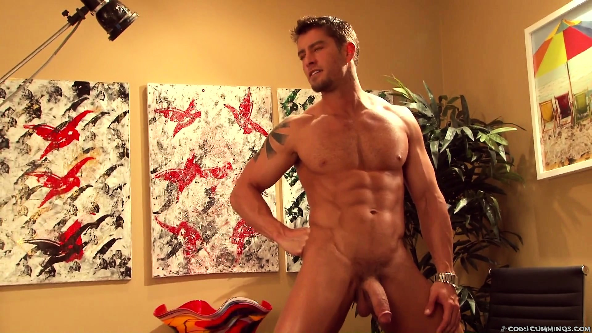 Porno Video of Ripped Cody Cummings Strips Down And Poses For His Photo Shoot