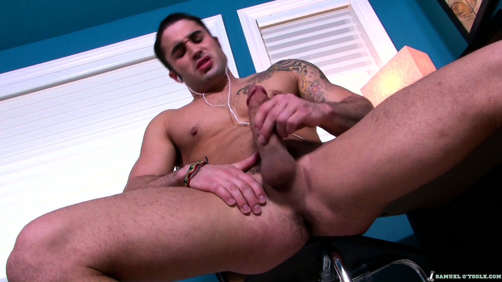 Porn Tube of Good Guy Samual Will Gladly Show You His Impressive And Tasty Manhood