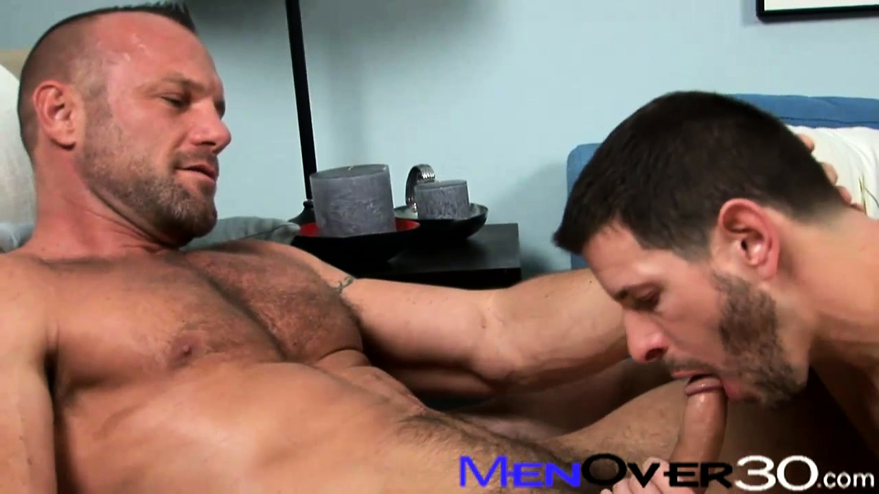 Porno Video of Ripped As Fuck Man Switches Roles Sucking Cock With A Skinny Dude