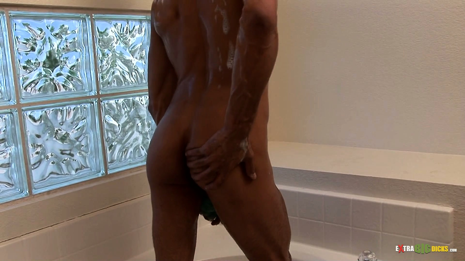 Porno Video of Clean Masturbation Action As This Guy Works Solo In The Bathtub