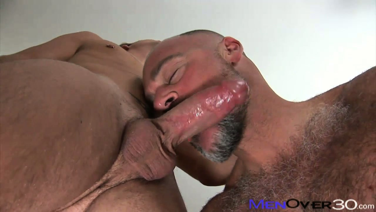 Porno Video of Twinky Young Boy Gets To Tickle The Tonsils Of A Buff Hairy Bear