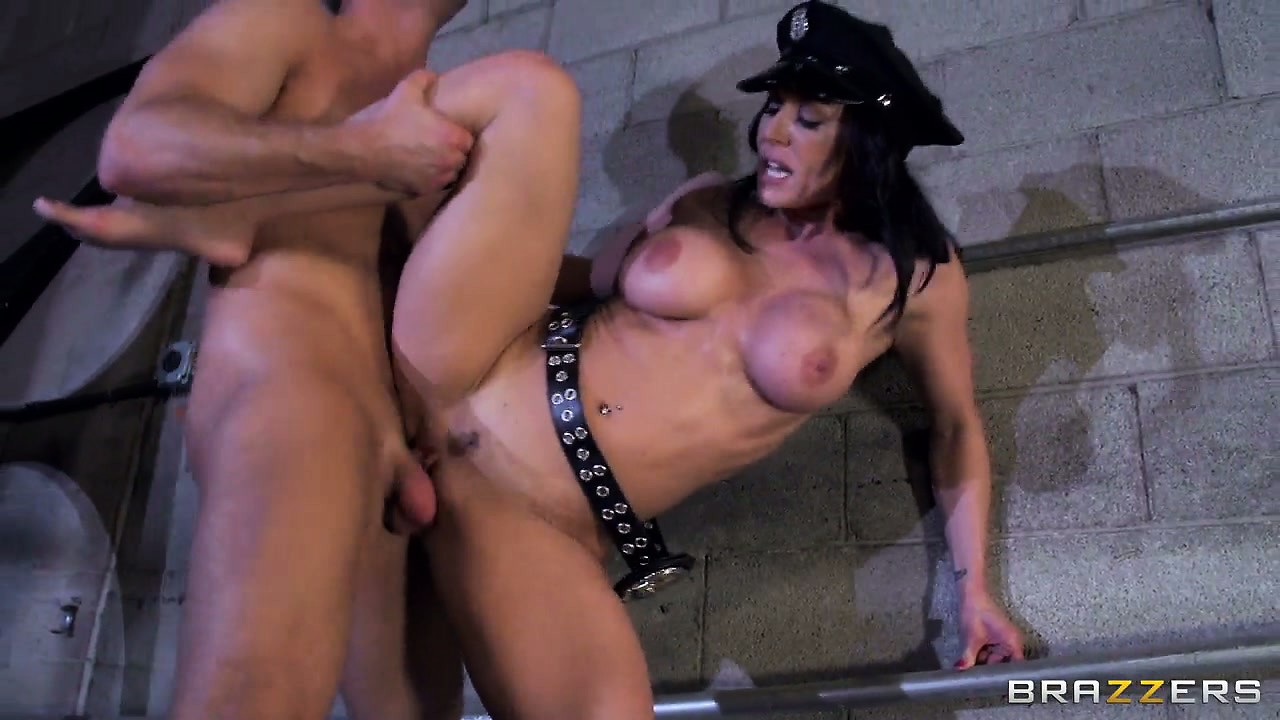 Porno Video of Sexy Police Officer With Nice Knockers Gets Laid With Big Dick Criminal