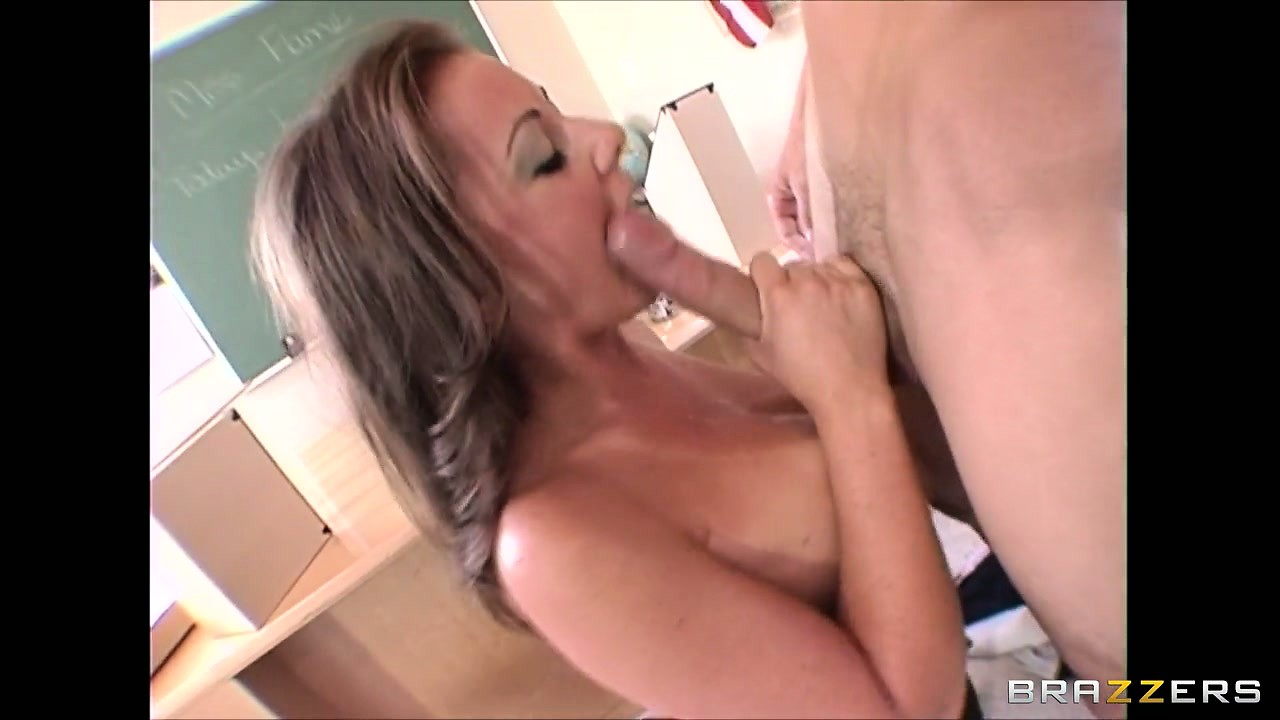 Porno Video of This Big-dicked Lad Is His Milf Teacher's Favorite When It Comes To Sex Education