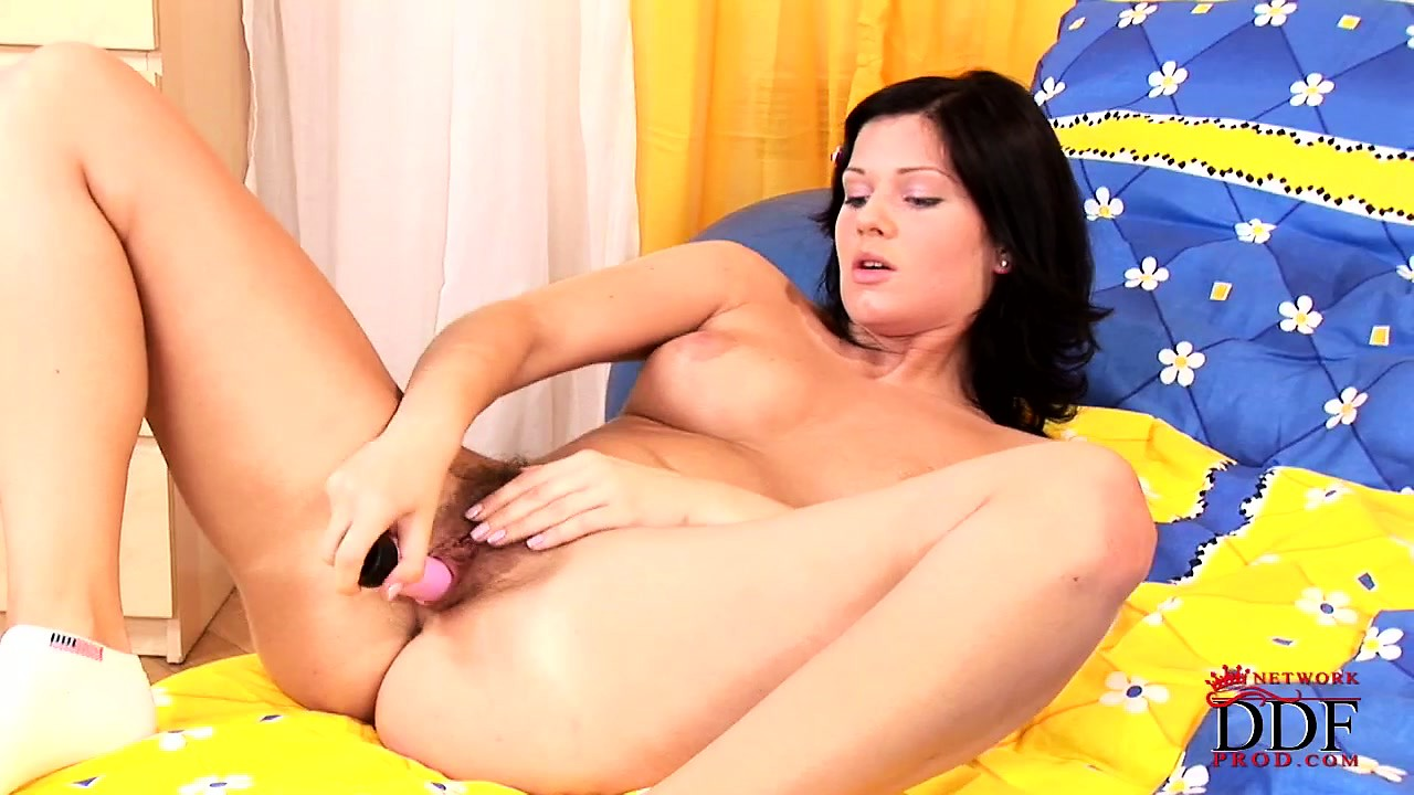 Porn Tube of Teen With An All Natural Clam Jams Herself Hard With A Sex Toy