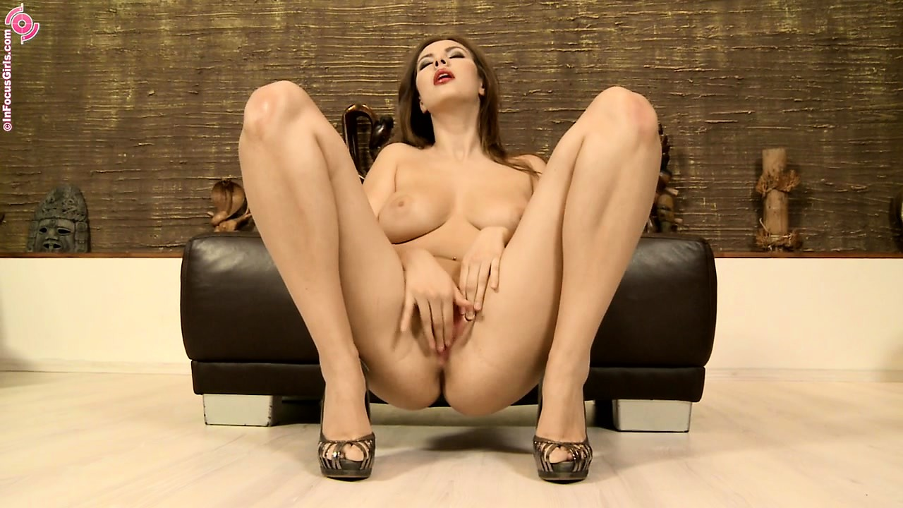 Porn Tube of Stacked Babe With Hot Legs Brings Her Desires To Fruition With Her Skillful Fingers