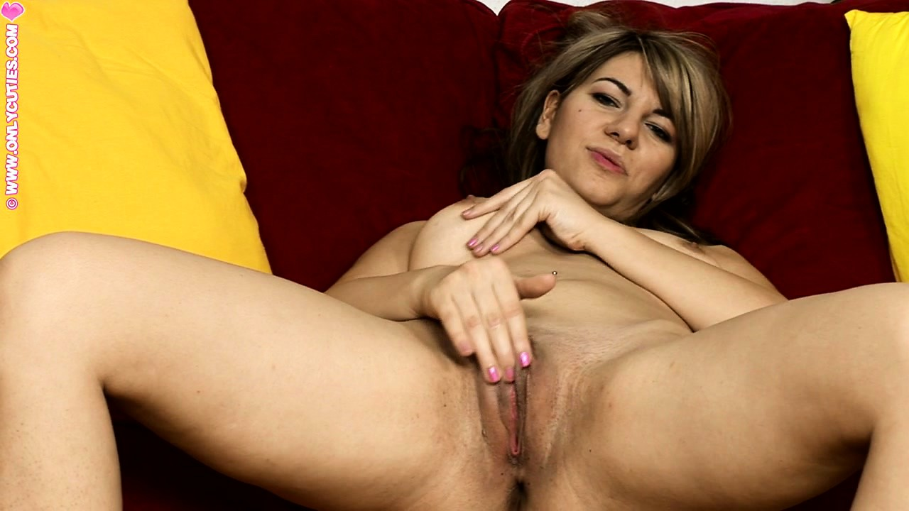 Porn Tube of Shapely Blonde Babe With Tiny Tits Jams Her Wet Cunt With A Toy