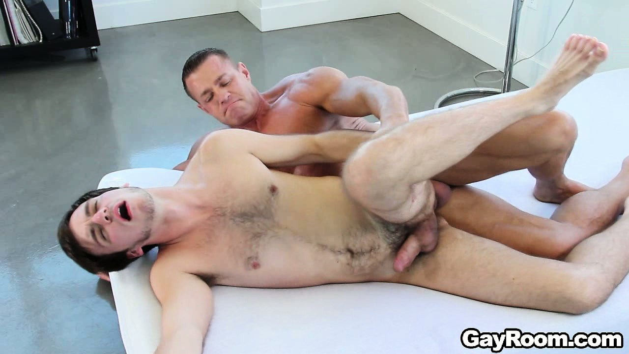 Porno Video of Aaron Slate Never Says No When Offered A Quick Intense Gay Nookie