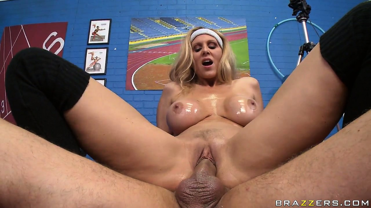 Porno Video of Long, Tasty Spike Is Getting Inside The Delicious Beaver Of Well-endowed Concubine