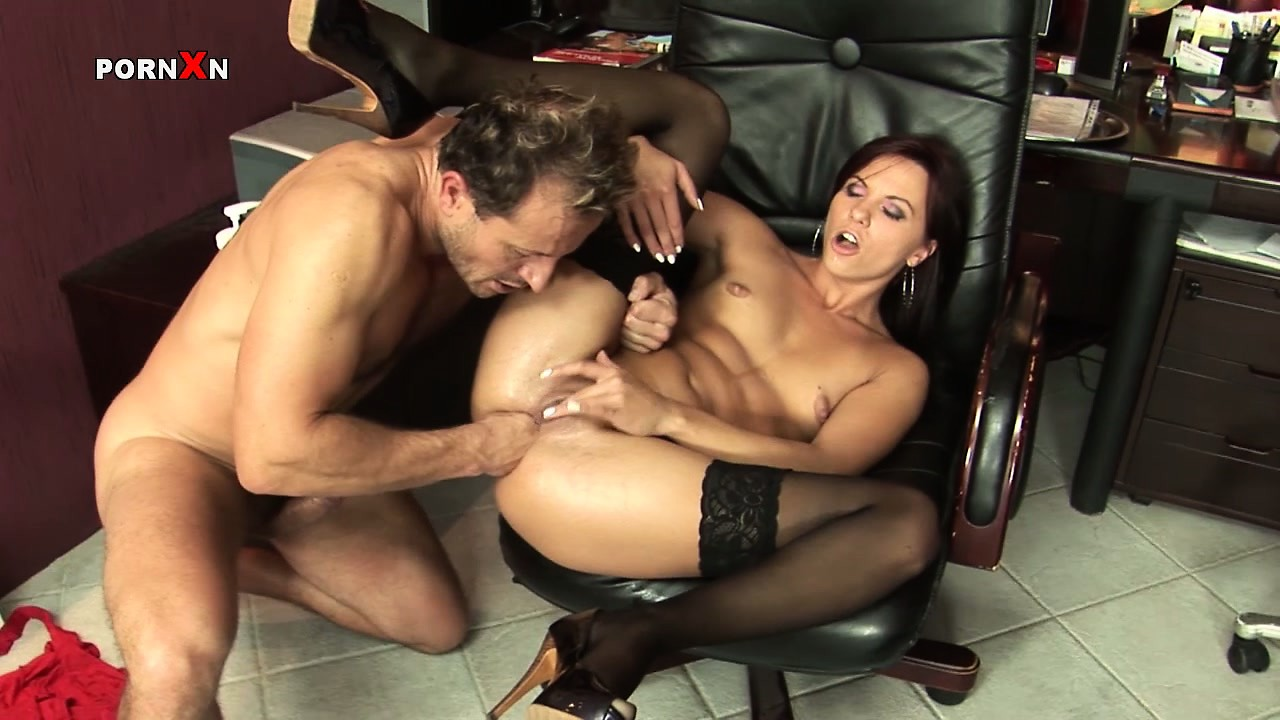 Porno Video of Anal Fisting Will Make Lazy Secretary Alysa Regret All The Things She Has Done Wrong