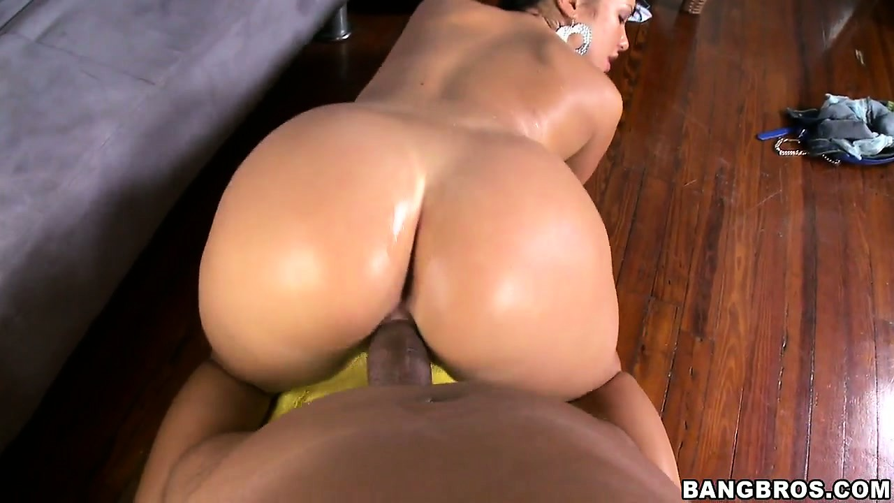 Porn Tube of This Big Black Dick Fills Up A Hungry Hungarian Brunette Hottie