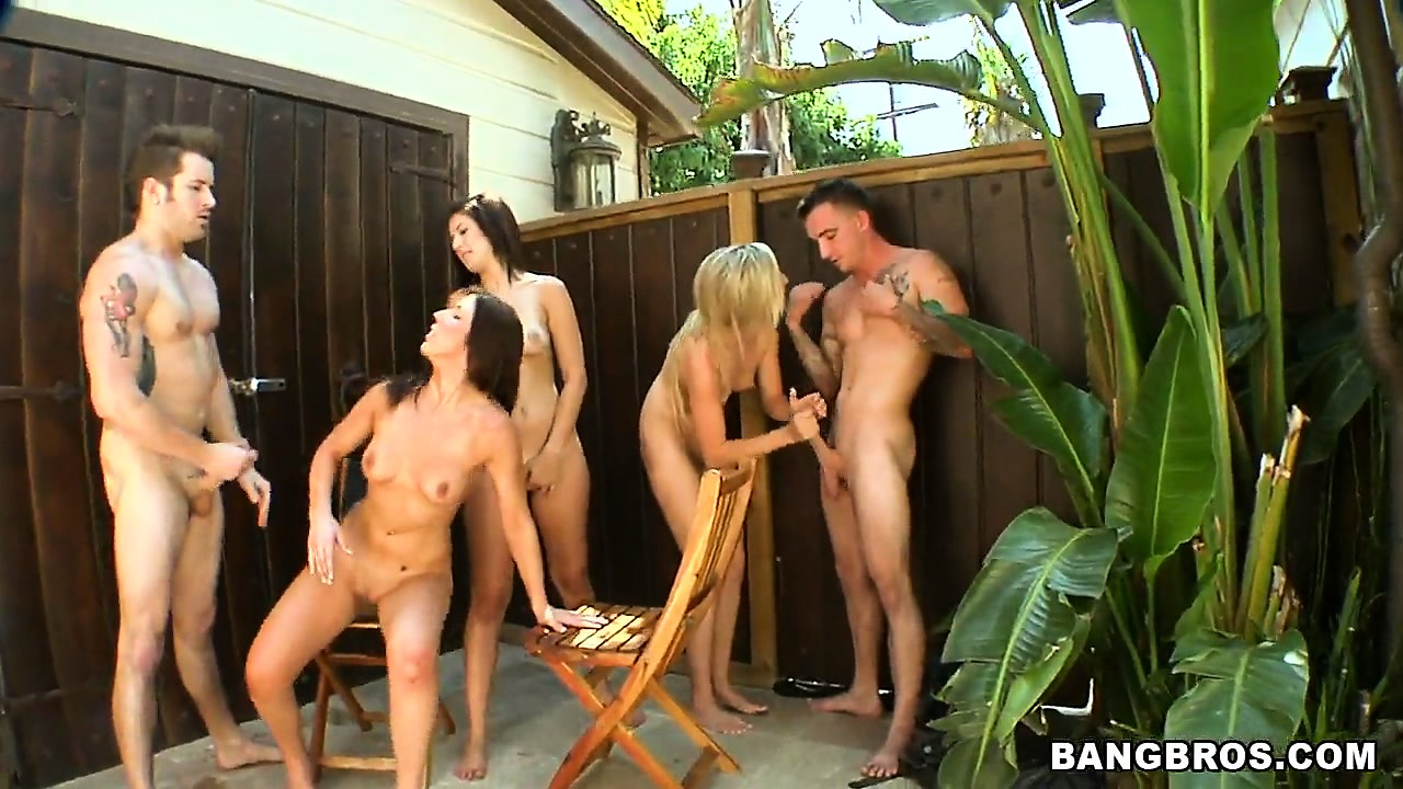 Porno Video of Backyard Sex Party With Two Guys And Three Uber-hot Fresh Chicks Participating