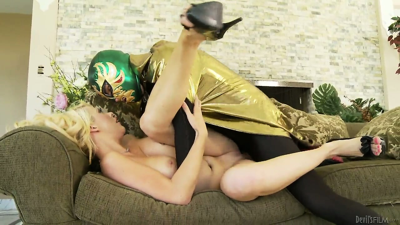 Porno Video of Busty Blonde Milf With Big Gazongas Gets Nailed By The Masked Man