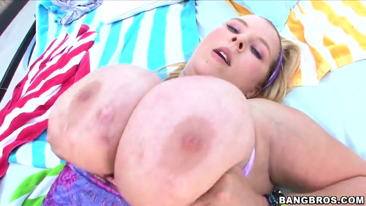 Porno Video of Those Huge Titties Have A Life Of Their Own When He Pounds That Bald Slit