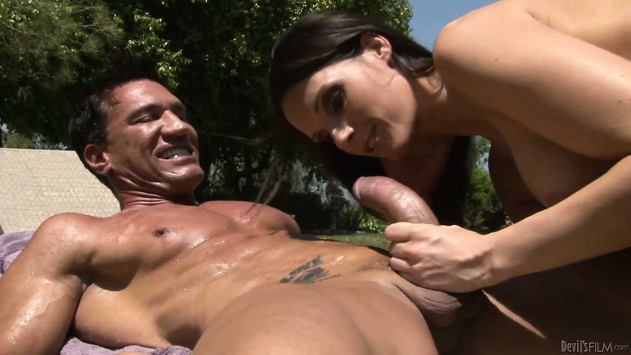 Porno Video of Horny Brunette European Jennifer Dark Boinked Hardcore Outdoors