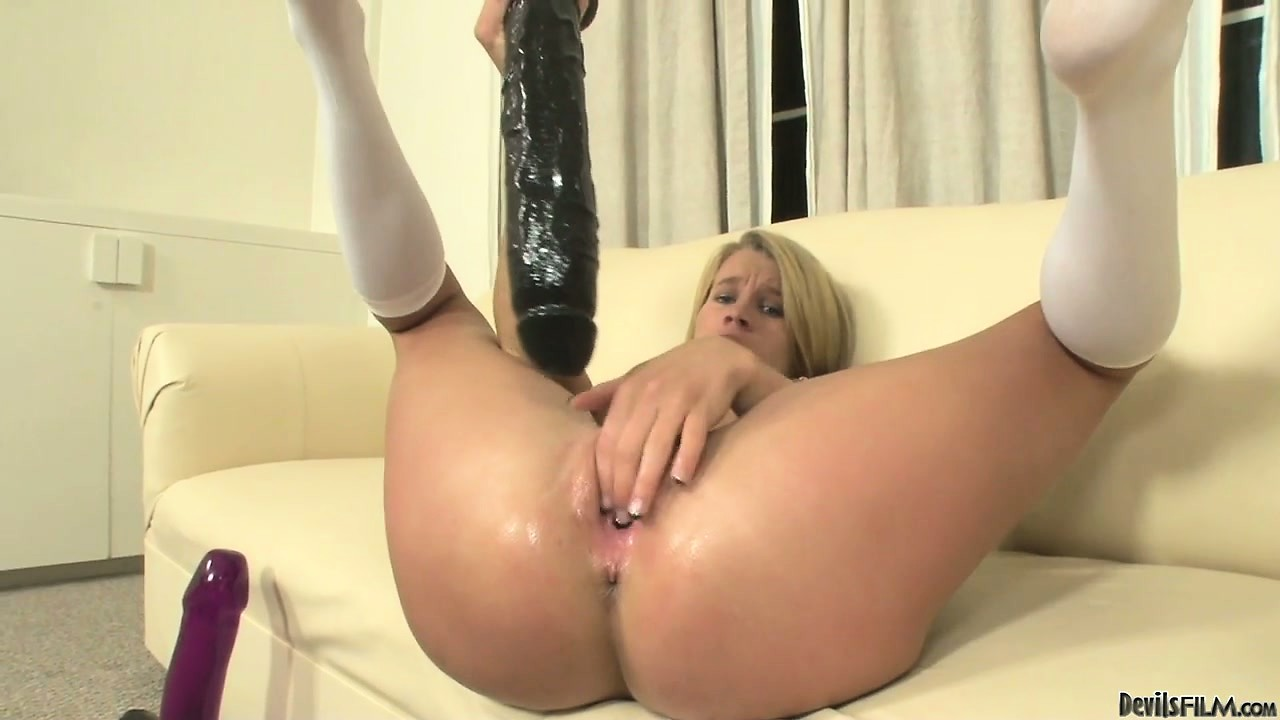 Sex Movie of Aiden Aspen Playing With Her Tight Pussy, And Stretching It With Big Toys