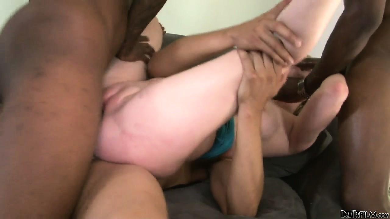 Porno Video of Hardcore Double Penetration And A Face Fuck In Interracial Gangland Fuck