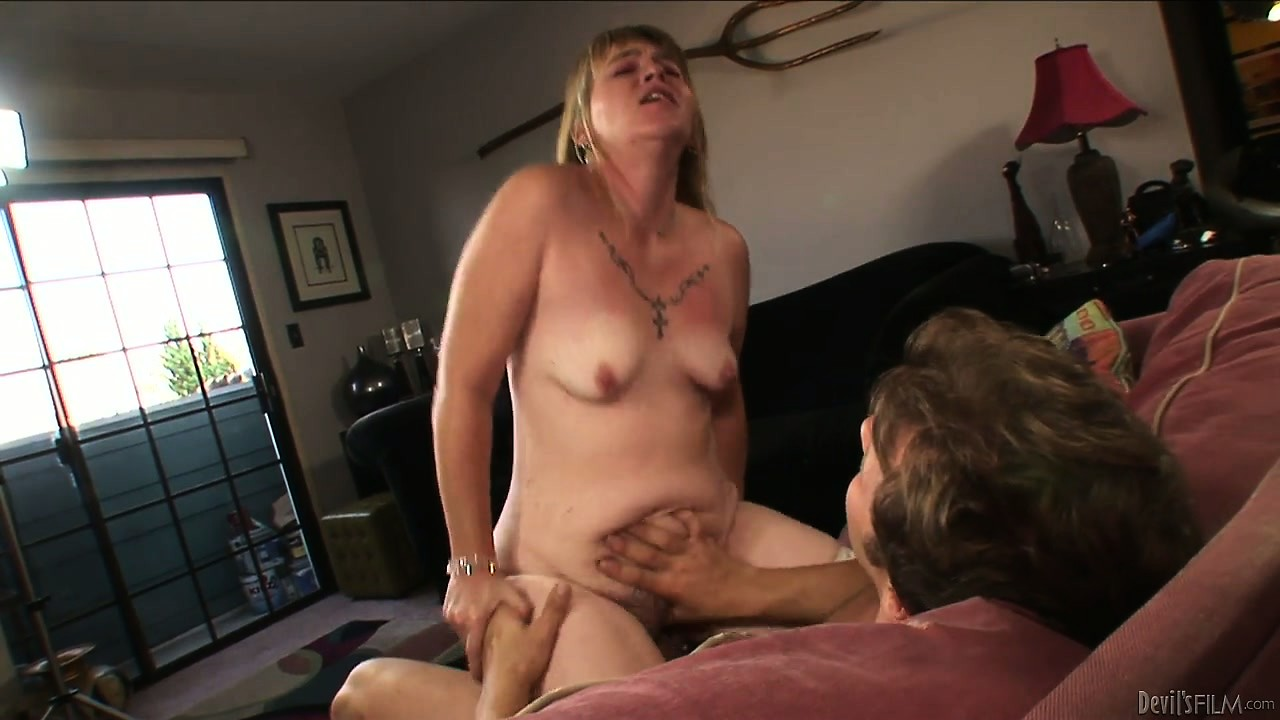 Sex Movie of Who Knew Grannies Could Get This Wild! Horny Mature Bitch Sinks Dick Deep In Her Throat Before Riding It