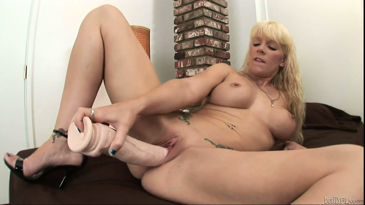 Porno Video of Heidi Mayne Chooses A Huge Toy To Fuck Her Wet Pussy In A Hot Solo Video