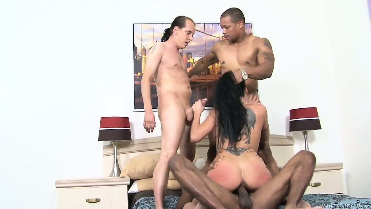 Porno Video of Cougar In Stockings Takes A Gangbang From An Interracial Trio