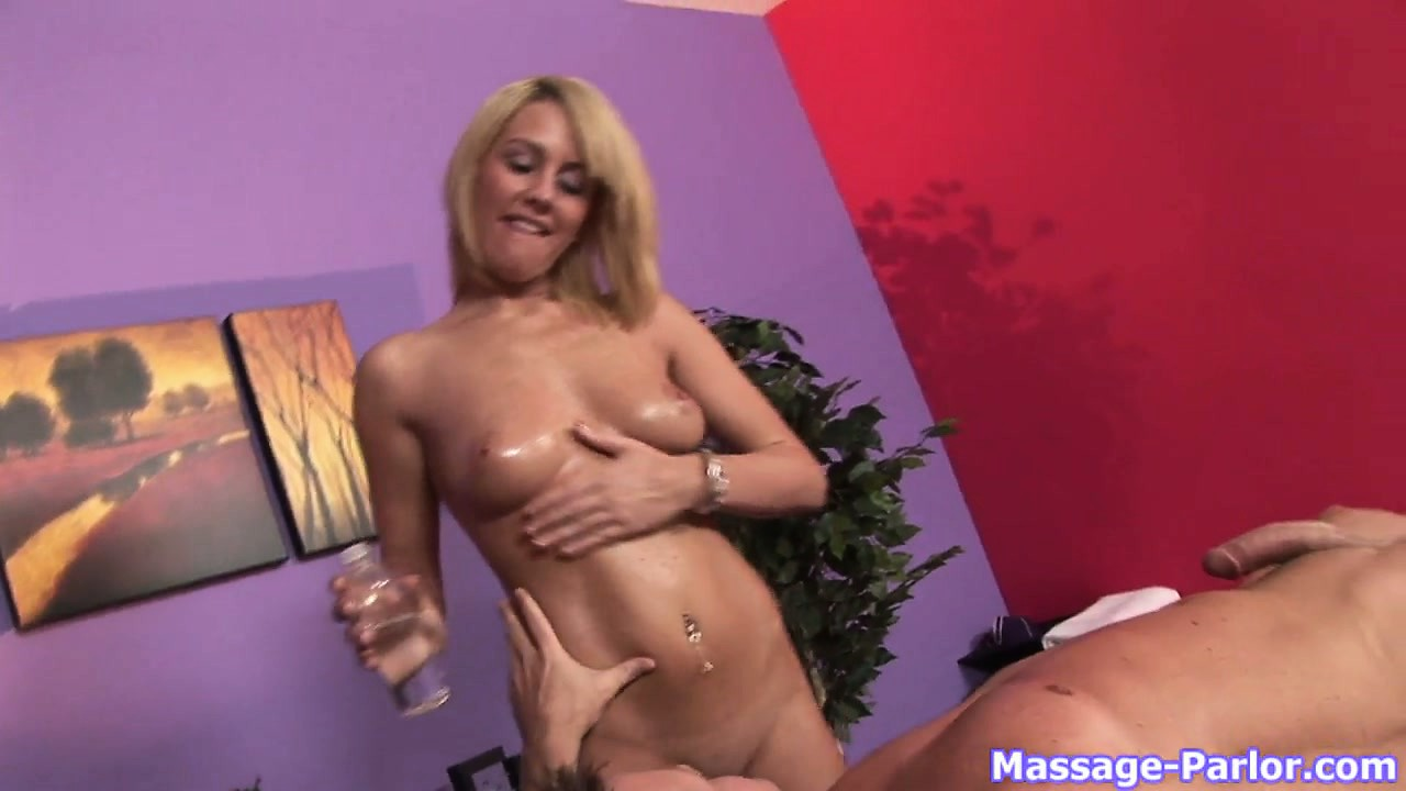 Porno Video of Hot Blonde Babe Giving A Happy Ending Massage To Her New Client