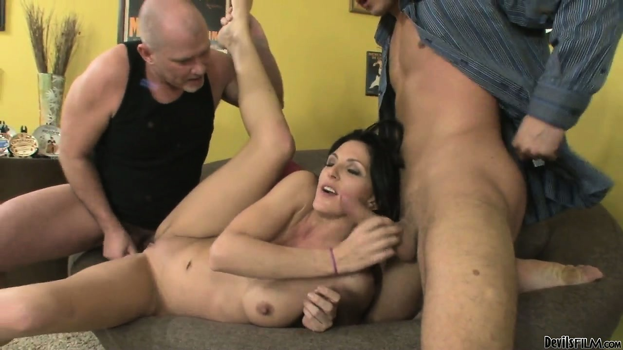 Porno Video of Big Ass Brunette Is Capable Of Pleasing Two Gentleman At A Time