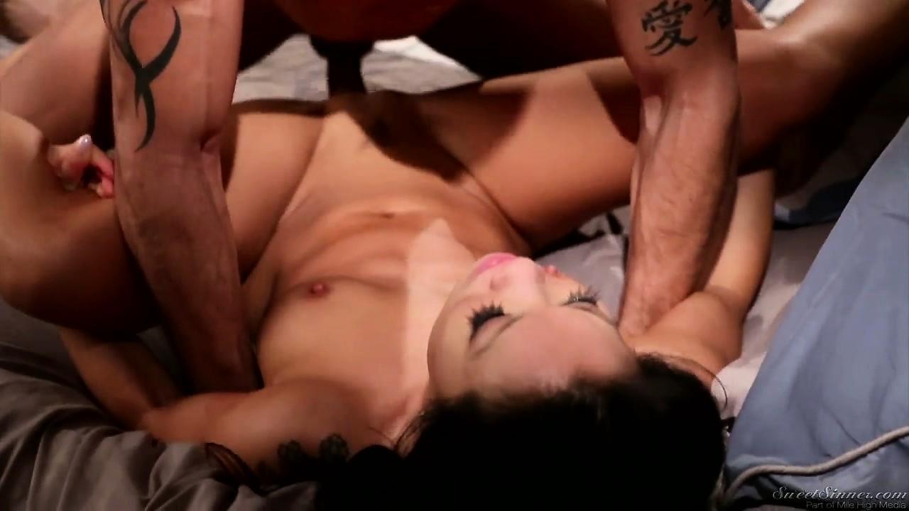 Porno Video of Asian Slut Asa Akira Rammed Hardcore In Her Sweet Trimmed Pussy