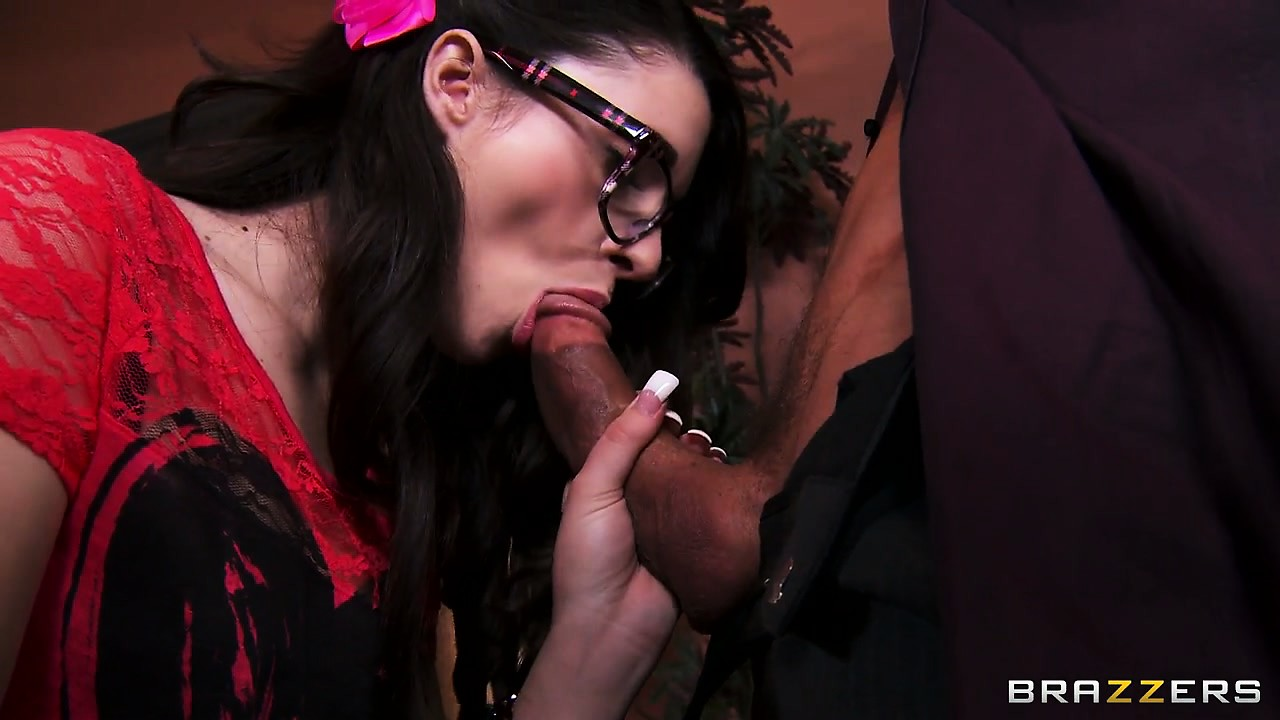 Porn Tube of Nerdy Brunette In Glasses Loosens Up And Blows A Hard Pecker