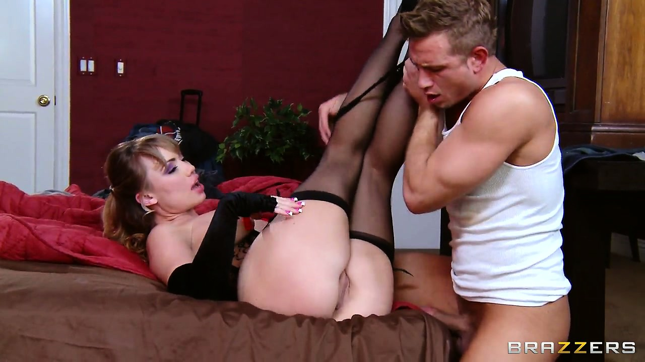 Porn Tube of She Looks Stunning In Her Black Lingerie While Teasing Her Man