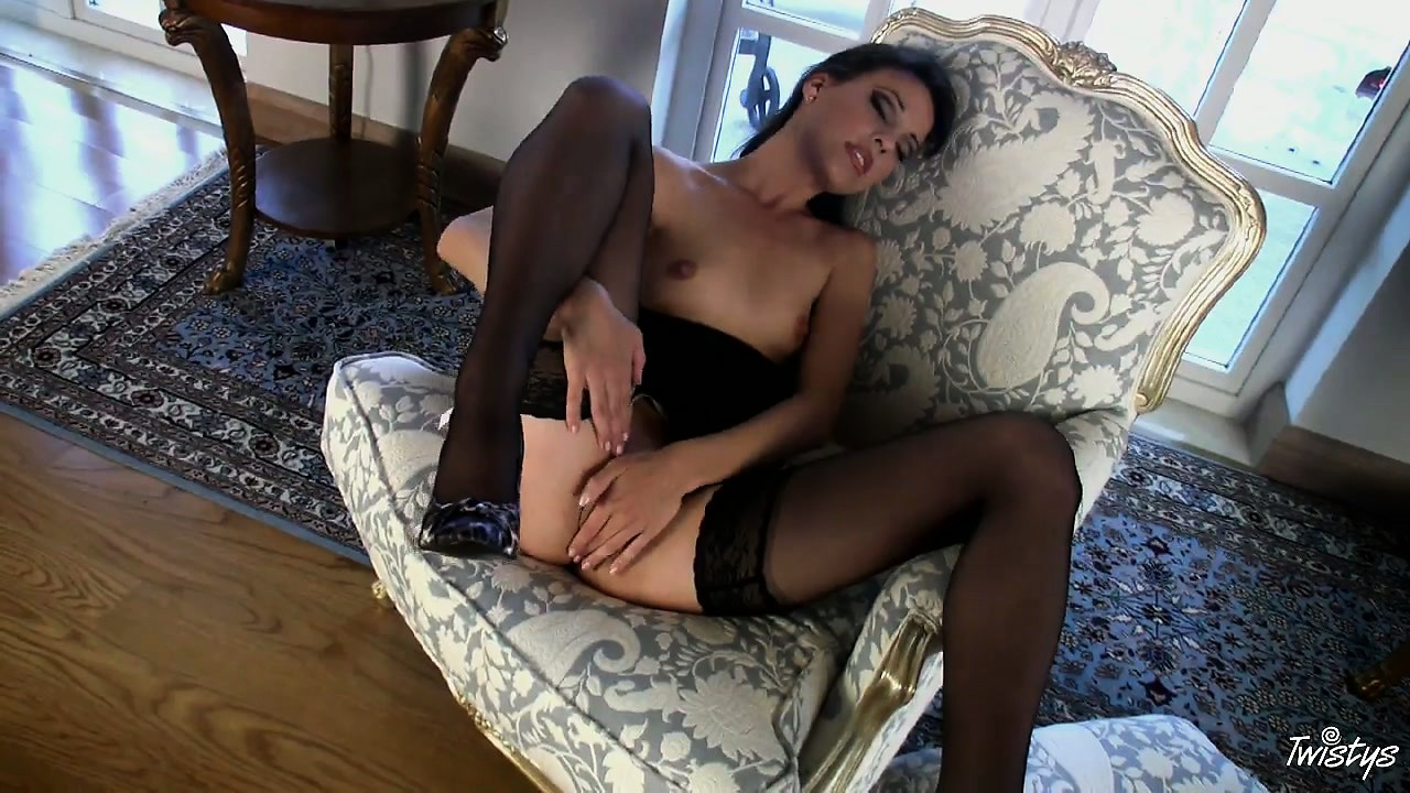 Porn Tube of Classic Flick With Energetic Babe That Loves Masturbation With All Her Soul