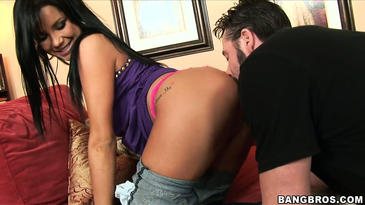 Porno Video of Tanner Mayes Has Second Intentions With This Horny Guy, And One Of Those Intentions Is To Get Her Pussy Eaten