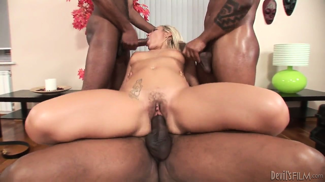 Porno Video of Her Holes Have Been Ravaged By Monster Black Dicks, Now She Gets A Messy Facial