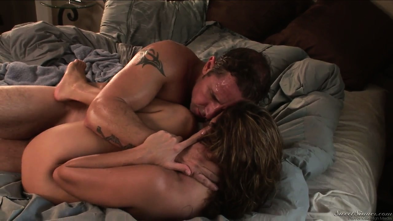 Porn Tube of He's Pounding That Cunt Hard And Then Bangs Her Missionary Style
